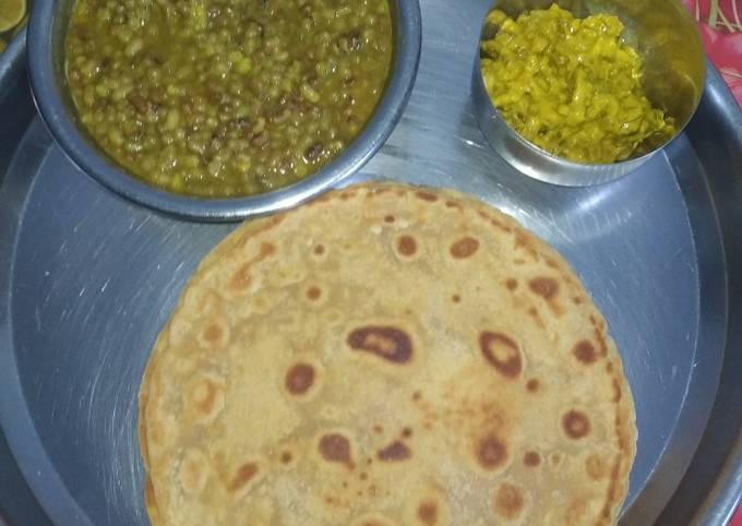 Easiest Way to Prepare Gordon Ramsay Jaggery(gur) Thepla with Moth Beans