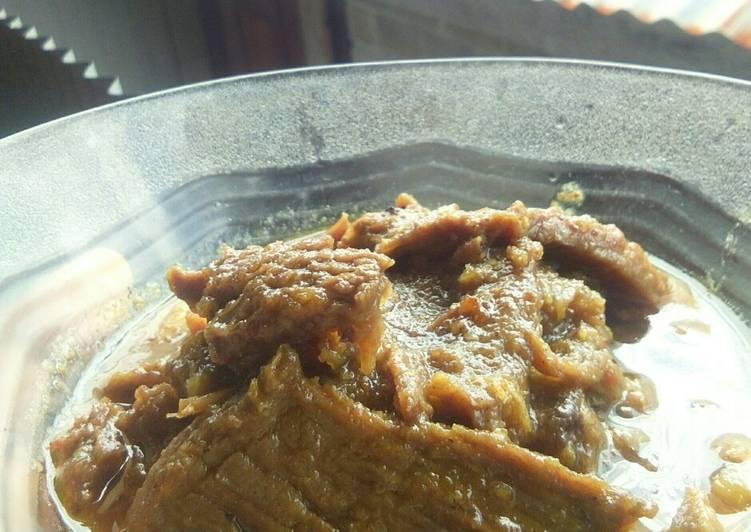 Lapis daging sapi (pedas)