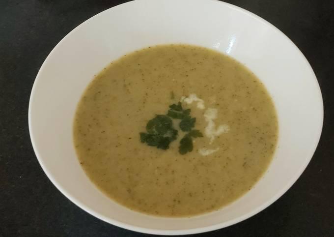 My Broccoli + Stilton Soup 😃