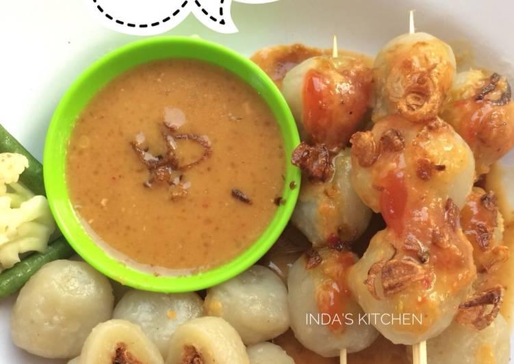 Cilok isi abon ayam with bumbu kacang