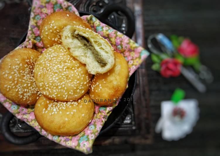 Roti Goreng isi Kacang Hijau super menul.. enaaak..!