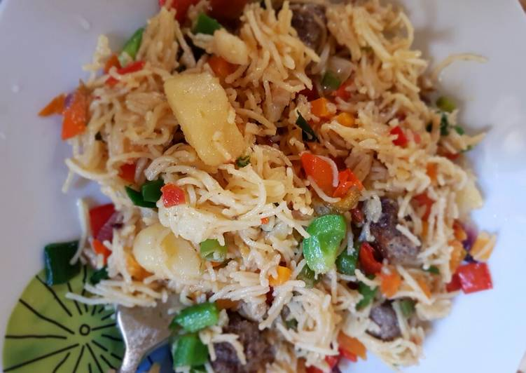 Meat ball vegetable stir fry pasta