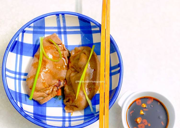 Recipe of Perfect Veg Dumplings with Red Chilli Sauce