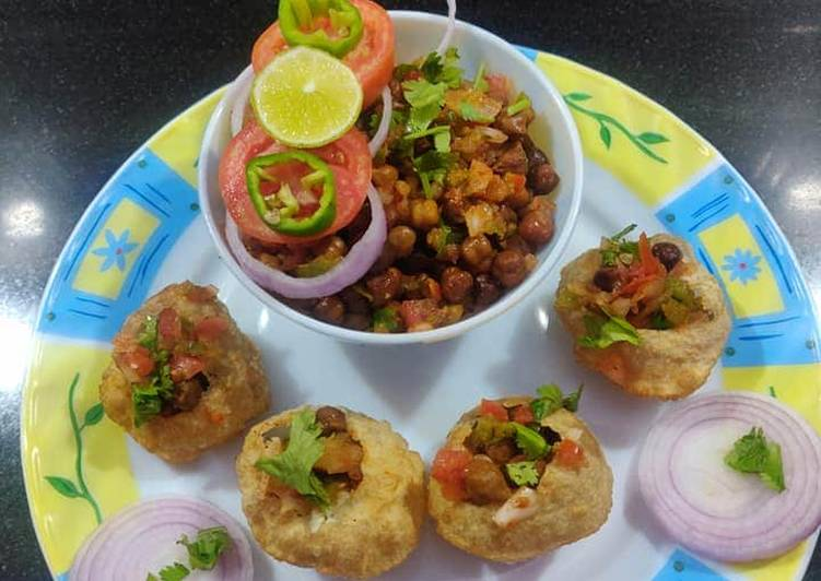 Foods That Make You Happy Salty chana Chaat