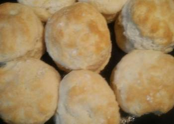 How to Prepare Delicious Cast Iron Skillet Biscuits from Central Florida