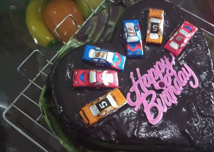 Birthday Cake Simple with Ganache Chocolate - cookandrecipe.com