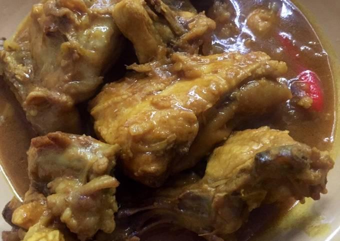Ayam masak kunyit berkuah