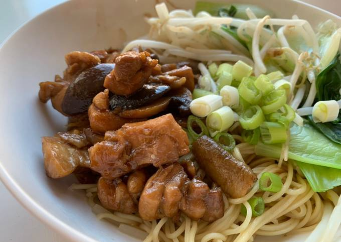 Mushroom Chicken Noodle is better than usual 😎 simple ingredients, cook quickly, main recipe photo
