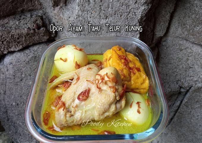 Opor Ayam Tahu Telur Kuning