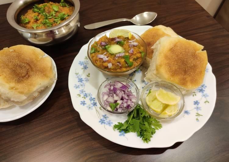 Recipe: Glorious Khada Pav Bhaji
