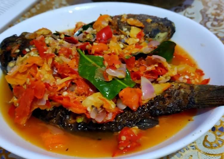 Pecak ikan mas ala Dapur Laper