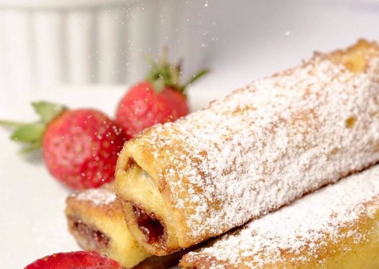 Resep Strawberry Chocolate French Toast Roll yang Enak Banget