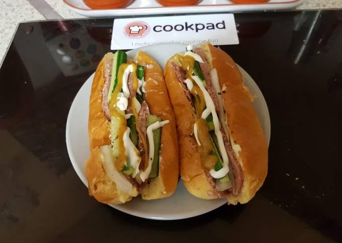 My Hot Dog Bun Sandwich.🙄
