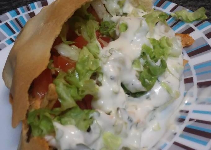 Kebab De Pollo Con Salsa De Yogur Griega Receta De Ana Cookpad