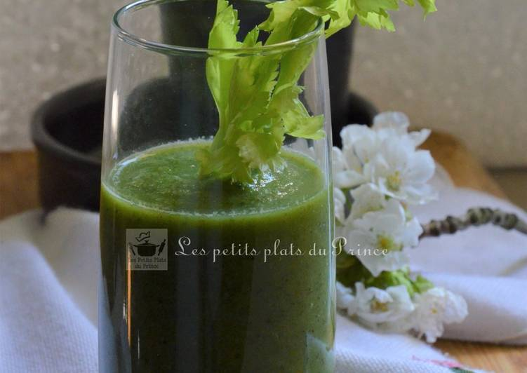 Green smoothie aux pousses d'orties