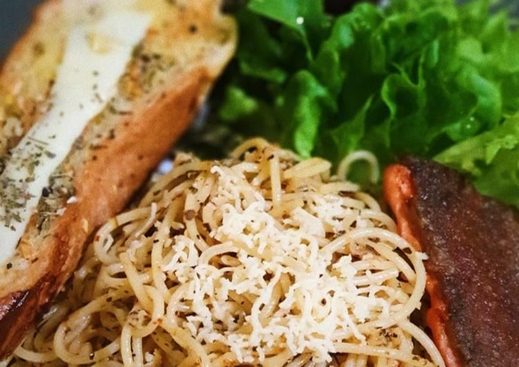 Spaghettini Aglio e Olio with Pan Seared Salmon & Garlic Bread
