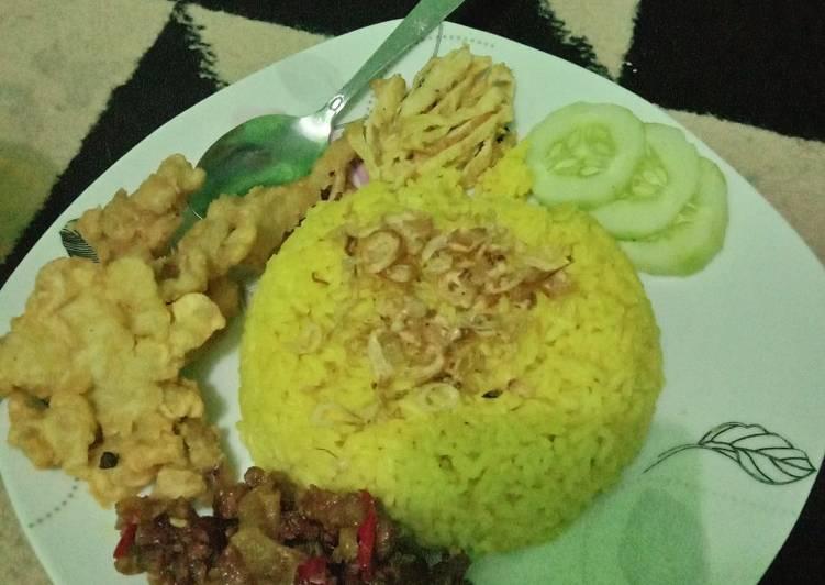 Nasi Kuning Rice Cooker Mudah