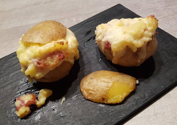Pommes de terre farcie au reblochon et jambon cru
