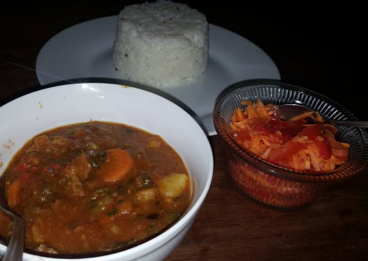 Beef curry with red and green peppers