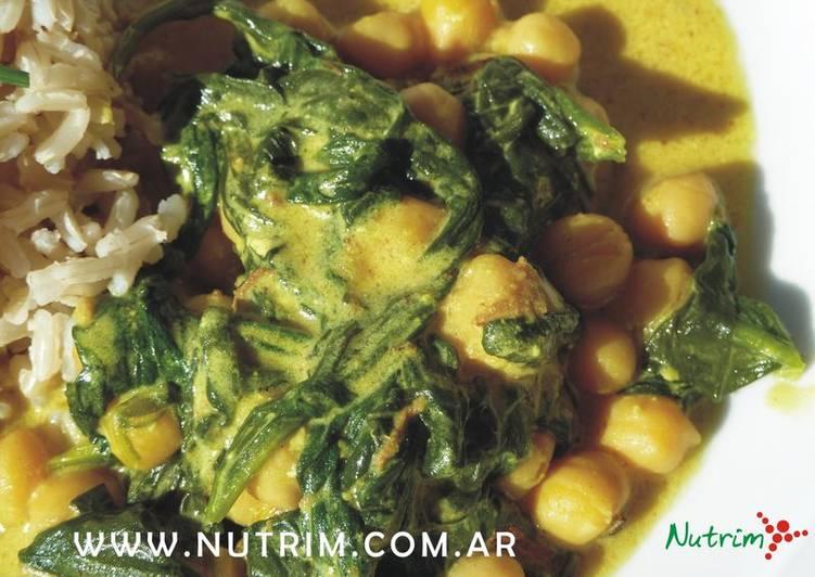 Espinaca Y Garbanzos En Crema De Yogur Comida árabe Receta