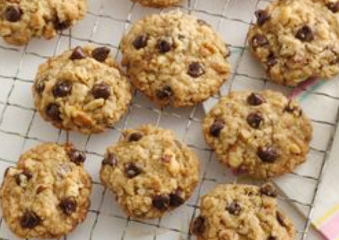 Recipe Appetizing Oatmeal & Nut Chocolate Chip Cookies