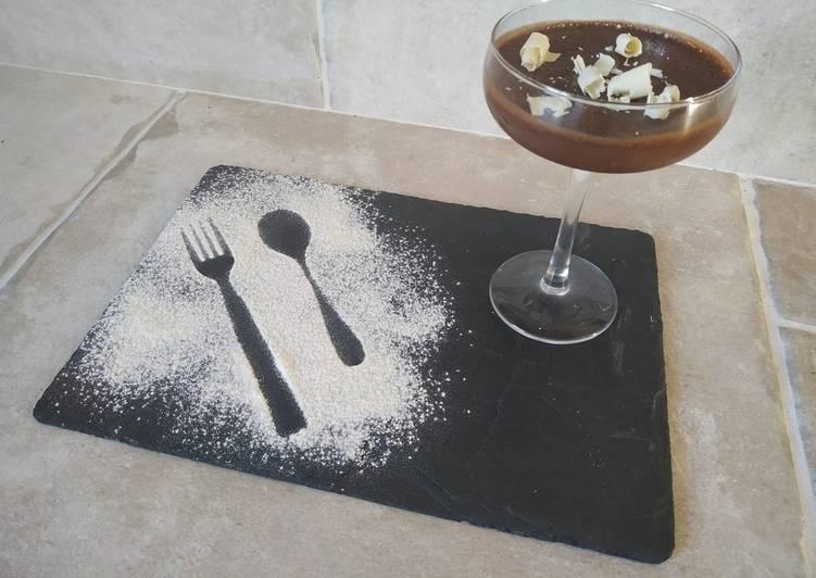 Mousse au chocolat / noisettes
