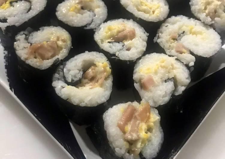 Sosis Egg Roll Sushi (Sushi Rumahan Mudah)