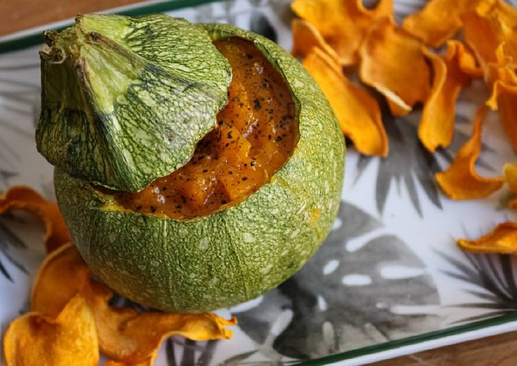 Ricetta Zucchina ripiena di zucca al forno