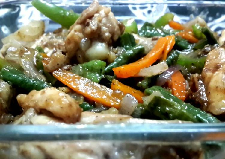Steps to Prepare Ultimate Stir fried chicken with vegetables