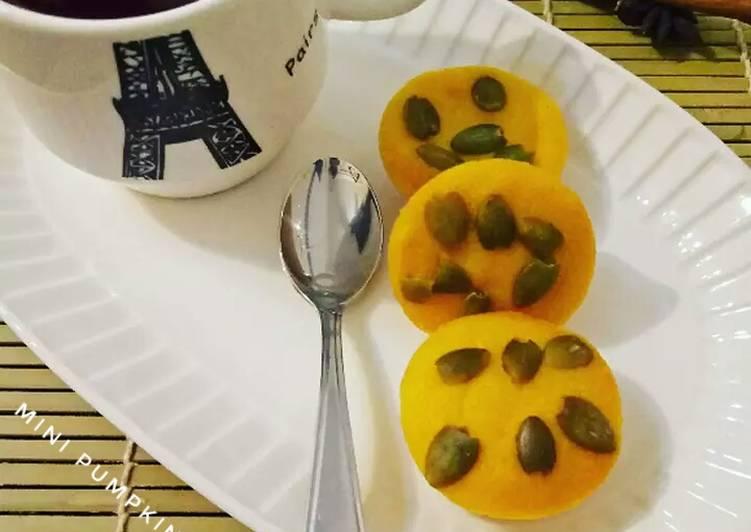 Mini Pumpkin Muffin
