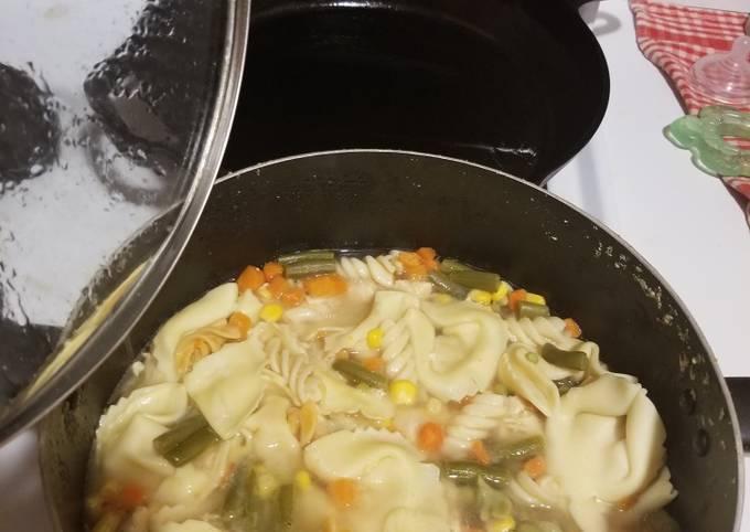 Quick chicken tortellini soup