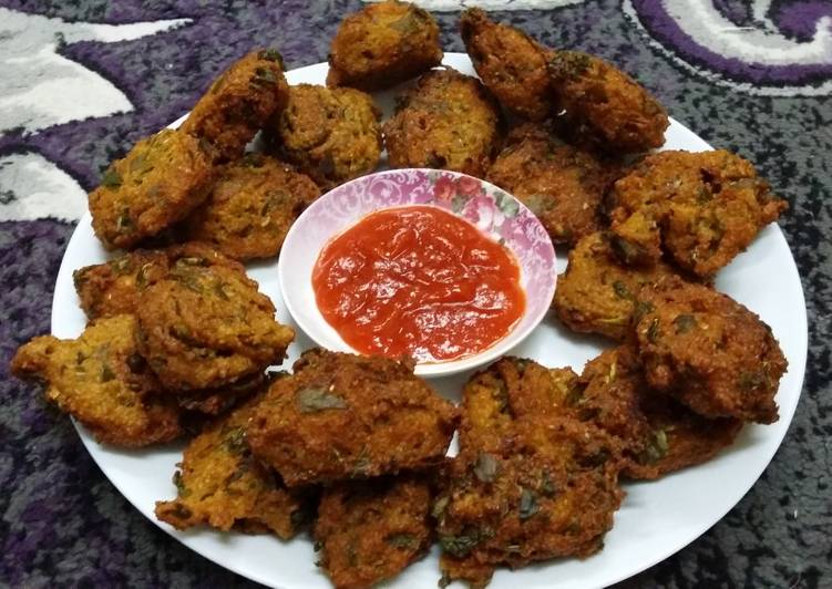 Old Fashioned Dinner Ideas Vegan Moong Daal Fritters with Purslane Leaves