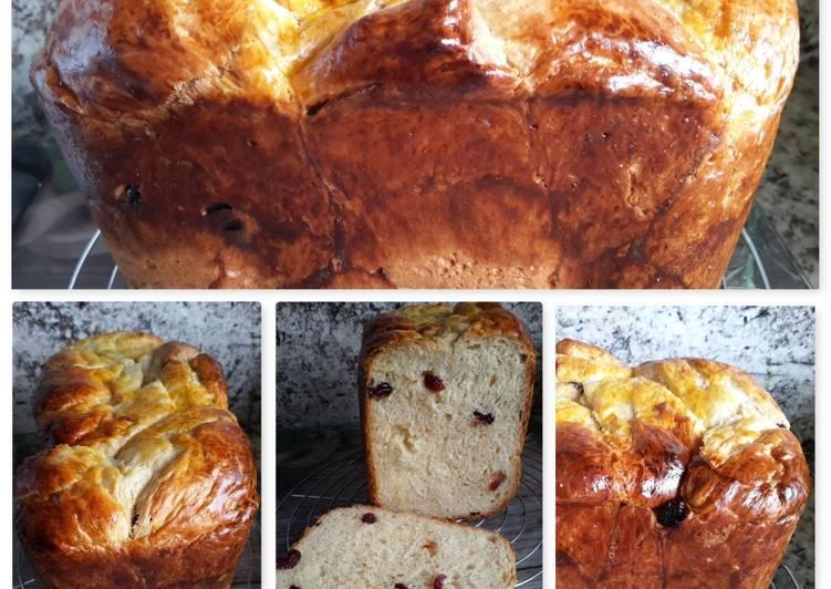 Brioche de queso y nata (con puñado de arándanos secos, en panificadora)