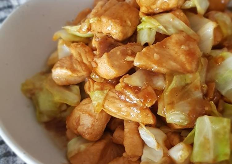How To Make Appetizing Chicken & Cabbage Stir Fry