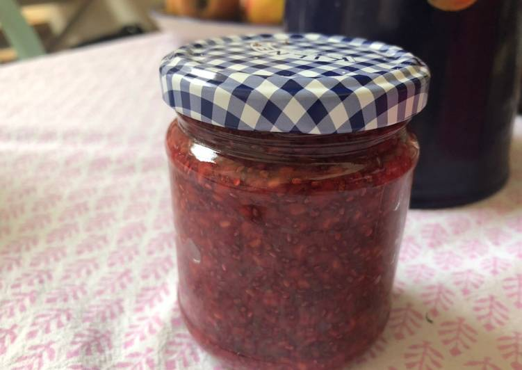 Raspberry chia not-jam - vegan