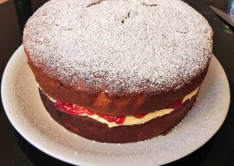 Recipe of Any-night-of-the-week Raspberry sponge cake