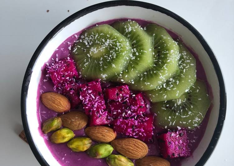 Smoothie au kiwi, fruit du dragon & noix de coco 🥥🥣🌱