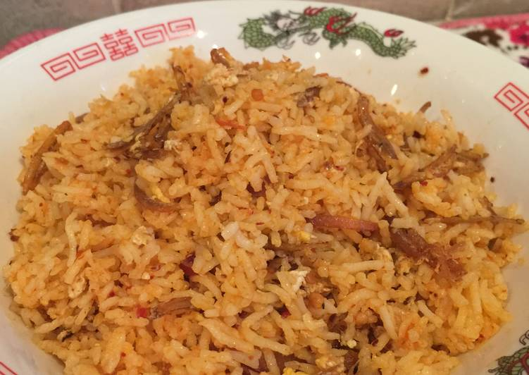 How to Prepare Tasty Singapore nasi goreng