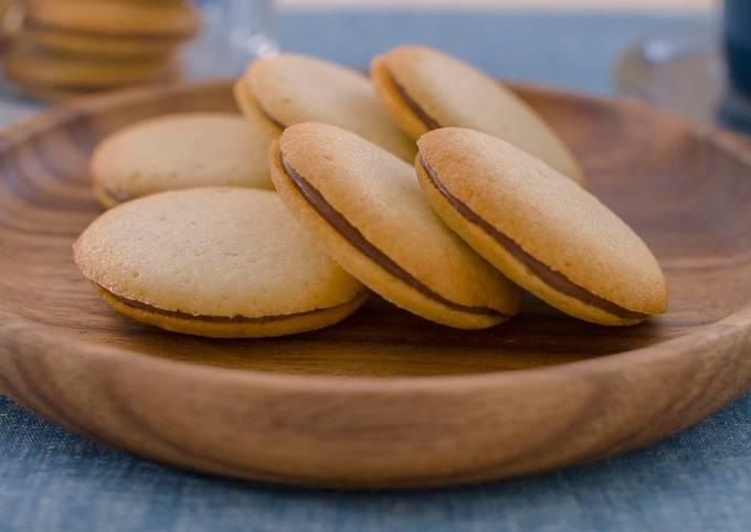 Langue-de-chat Cookies (chocolate sandwich)