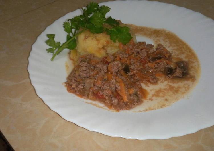Recipe of Any-night-of-the-week Mashed & Mince Meat