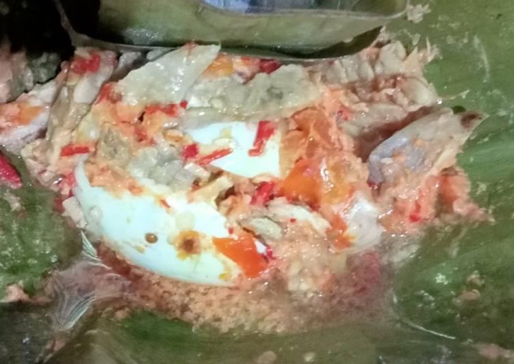 Botok telur dan ayam suwir