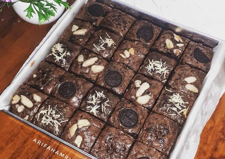 Fudgy shiny brownie