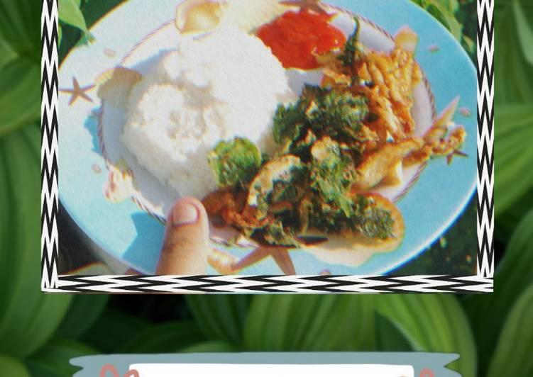 bayam-dan-jamur-crispy-vegetarian-friendly