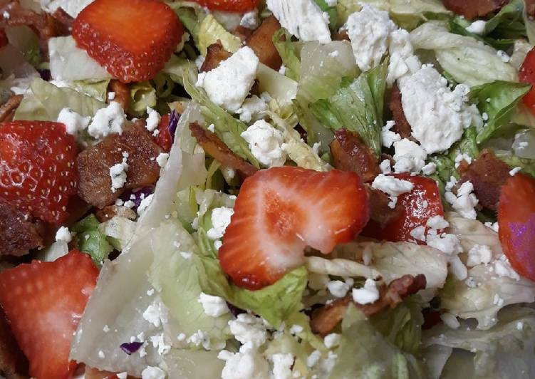 Recipe: Yummy Strawberry Bacon Blue Salad