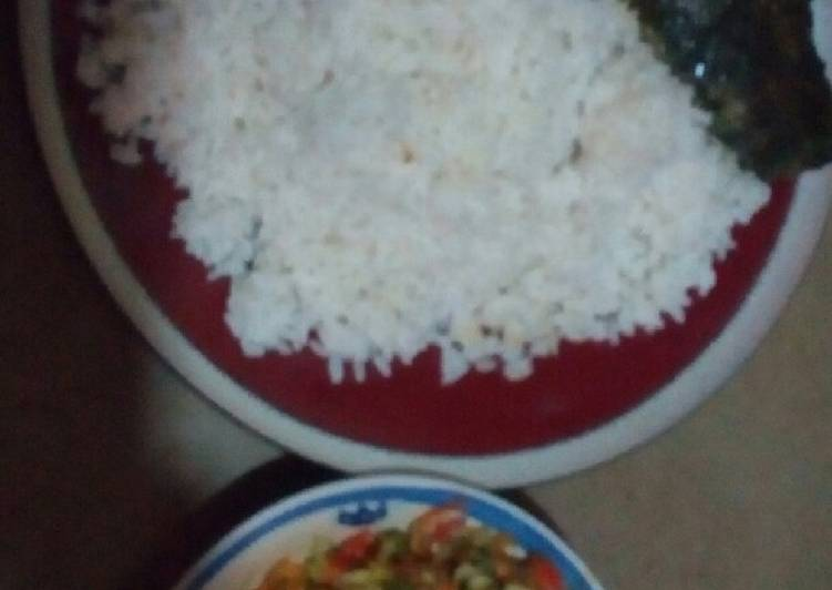 Simple Way to Make Perfect White rice with vegetable sauce served with cat fish