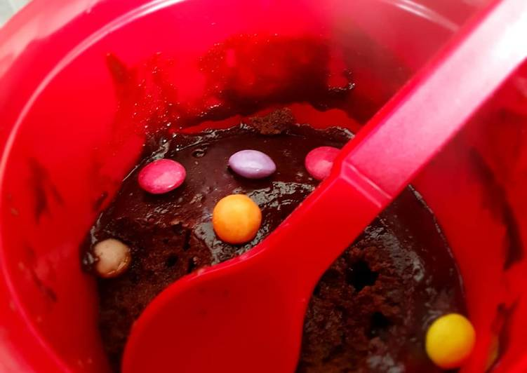 Comment Préparer Des Brownie aux smarties façon mug cake