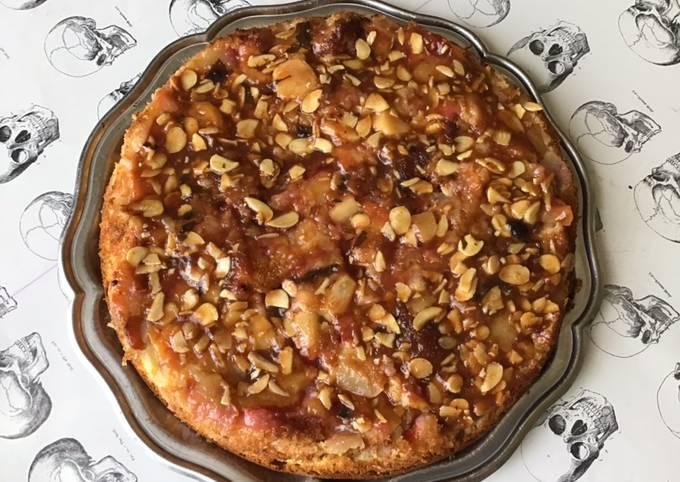 Gâteau léger aux pommes et prunes du jardin