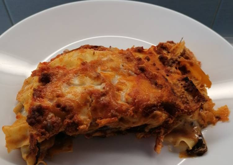How to Prepare Yummy Lasagna Radicchio and Speck