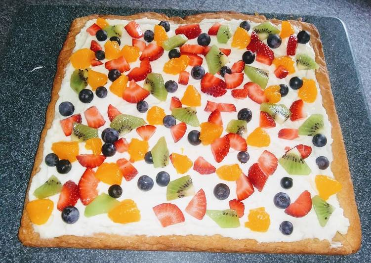 Simple Way to Make Any-night-of-the-week Fruit pizza