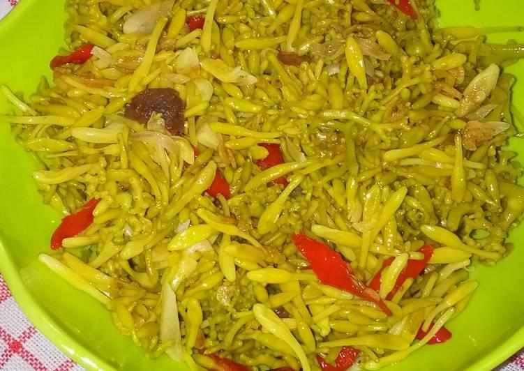 Tumis bunga kates udang rebon